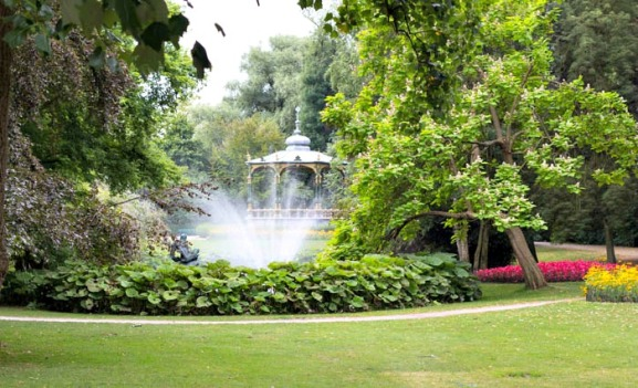 Koningin-Astridpark-antwerpen-buitenshuis